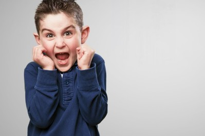 Tłumić emocje, czy złościć się na dziecko? – RADY PSYCHOLOGA