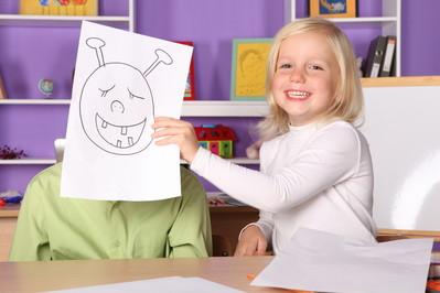 Stres powakacyjny: dzieci idą do szkoły, rodzice wracają do pracy. Jak sobie z tym poradzić?